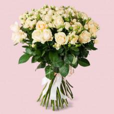 Букет из 51 розы Пич Аваланч и Елена спрей