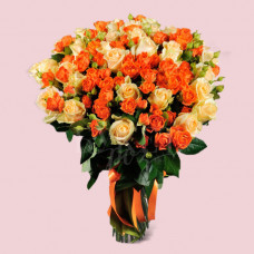 Букет из 51 розы Пич Аваланч и Оранж Фаер