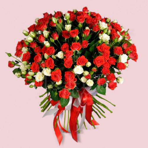 Букет микс из 51 роз спрей